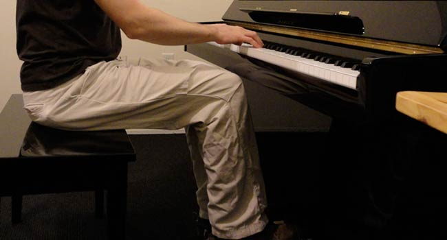 Proper position on piano bench