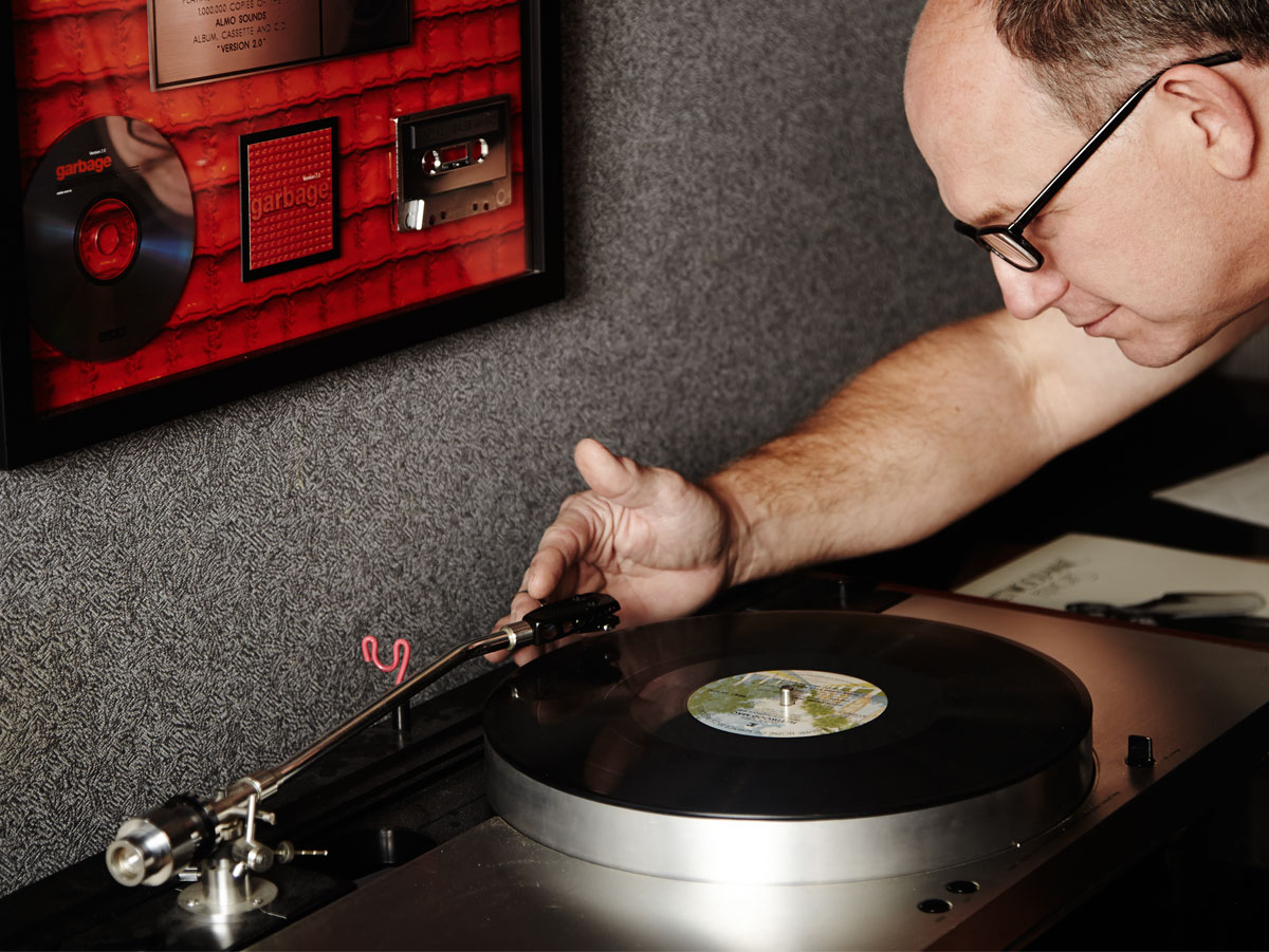 The Beautiful Experience Of Vinyl Records